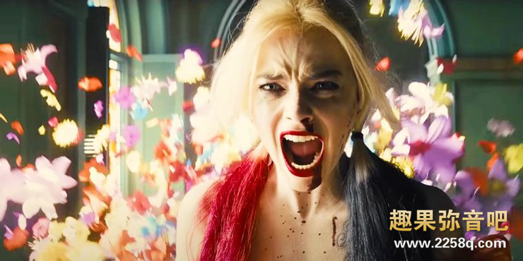 Margot-Robbie-as-Harley-Quinn-in-The-Suicide-Squad.jpg